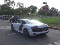 Fakirleri Audi R8 ile Azıcık Gezdirmek