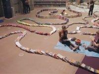 Dünyanın En Uzun Kitap Dominosu