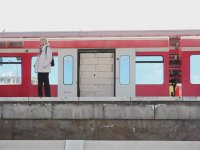 Tren Kapısına Duvar Örmek