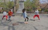 Break Dans Yapacakken Bale Gösterisi Yaparak İzleyenleri Şaşırtan Dansçılar