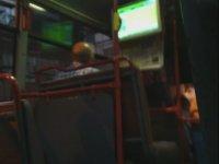 Halk Otobüsünde Çekirdek Keyfi Yapmak