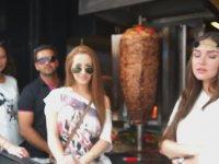 Mankenlerle Türk Yemeklerini Deneme Turu