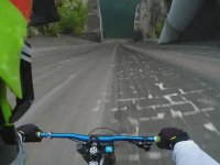 Barajdan Bisikletle İnmek
