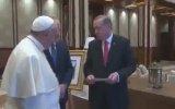 Cumhurbaşkanı Erdoğan'ın Papa'ya Fatih Sultan Mehmet'in Fermanını Hediye Etmesi
