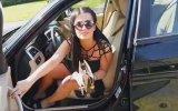 Yaya Geçidine Arabasını Bırakan Türk Kızın Pişkinliği