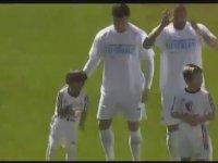 Ronaldo'nun Mültecilere Desteği