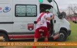 Gol Sevincini Ambulans Binerek Kutlayan Futbolcu
