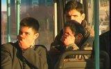 Halk Otobüsünde Gaz Çıkarma Şakası  Çetin Çiftçioğlu
