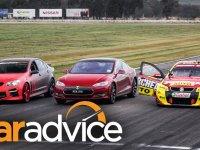 En Hızlı Sedan Dört Kapılı Arabalarının Yarışı