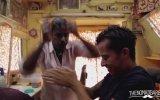 Dünya'nın En Güzel Kafa Masajı  Hindistan Sokak Berberleri