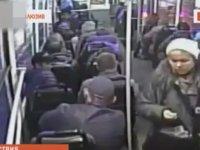 Otobüste Uykusunu Kaçıranları Döven Adam!