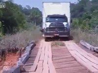 Sağlam Olmayan Köprüden Kamyon Geçirtmek