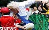 Rugby Oyunu Sırasında Kendini Kaybeden Londra Belediye Başkanı