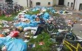 Mültecilerin Çöplerini Camdan Atması  Almanya