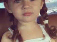 Tatlılık Abidesi Azeri Küçük Kız