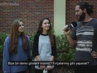 Kızlara Dillerini Nasıl Fırçaladıklarını Sormak