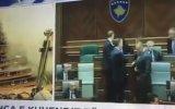Meclis Toplantısına Gaz Bombası Atmak  Kosova