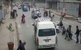 Afganistan Depremi'nin Kameralara Yansıdığı An