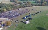 Slovenya Sınırına Yürüyen Mülteciler