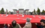Beştepe'de 1 Kilometrelik Türk Bayrağı