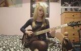 Sarışının Elektro Gitar Performansı