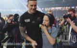 Küçük Hayranına Altın Madalyasını Veren Rugby Oyuncusu