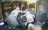 Kahraman Otobüs Şoförü Kalp Krizi Geçiren Kadını Hastaneye Yetiştirmek