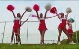 Ponpon Kızlardan Kadın Muhabirin Elini Sıkmayan Müslüman Futbolcuya Sürpriz