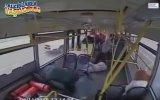 Otobüsün Feci Kaza Anı ve Dağılan Yolcular