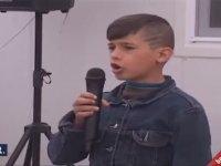 Suriyeli Çocuğun İstiklal Marşını Okuması