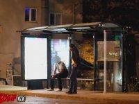 Türkiye'de Keskin Nişancı Şakası - Bus Stop Sniper Prank