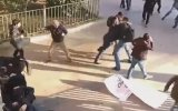 Eylemcilerin Arasına Dalıp Tek Başına Dağıtan Genç