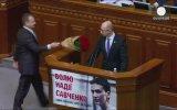 Ukrayna Parlamentosunda Tekme Tokat Kavga Eden Milletvekilleri