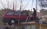 Muhtarlığın Çatısına Arabayı Park Etmek
