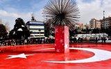 Teröre Karşı En Güzel Tepki Süs Havuzuna Türk Bayrağı Yapılması
