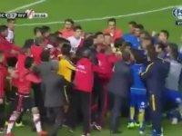 Dostluk Maçında 5 Kırmızı 9 Sarı Kart Çıkması (Boca Juniors - River Plate)