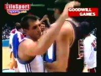 Amerika B.D. vs Yugoslavya Basketbol Maçı (Ivkovic ve Obradovic İçerir)