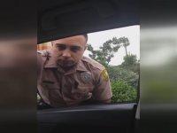 Hız Yapan Polisi Kenara Çekip Hesap Sormak