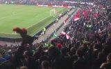 Feyenoord Taraftarının Tekno Müzikle Uyumu