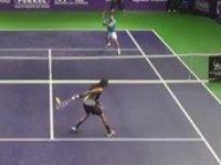 Jamaikalı Tenisçiden Muhteşem Sayı