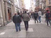 Taksim'de İnsanları Hasta Numarasıyla Kandıran Dolandırıcı