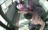 Otobüs Şoförünün Kalp Krizi Geçiren Yolcuyu Kurtarması