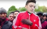 Mesut Özil için Arsenal Taraftarından Özel Video