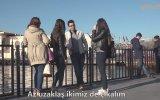 Selfie Çekilen İnsanları Trollemek  Absurd TV