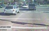 Google'a Ait Sürücüsüz Otomobilin Kaza Anı