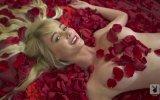 Sara Jean Underwood  Seksi Film Sahnelerini Yeniden Canlandırmak