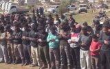 Top Düştü Cemaat Namazı Bozmadı  Suriye