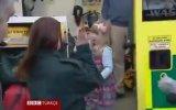 Merdivenlerden Düşen Hamile Annesi Kurtaran 3 Yaşındaki Minik