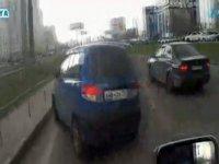 Kazadan Kıl Payı Kurtulmak - Rusya