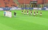 Milanlı Futbolcuların Haka Dansı Yapması